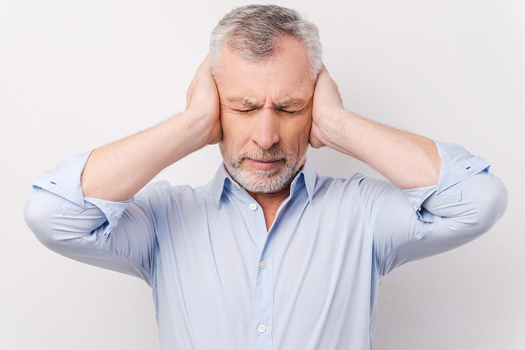 Шум в ушах - что делать?