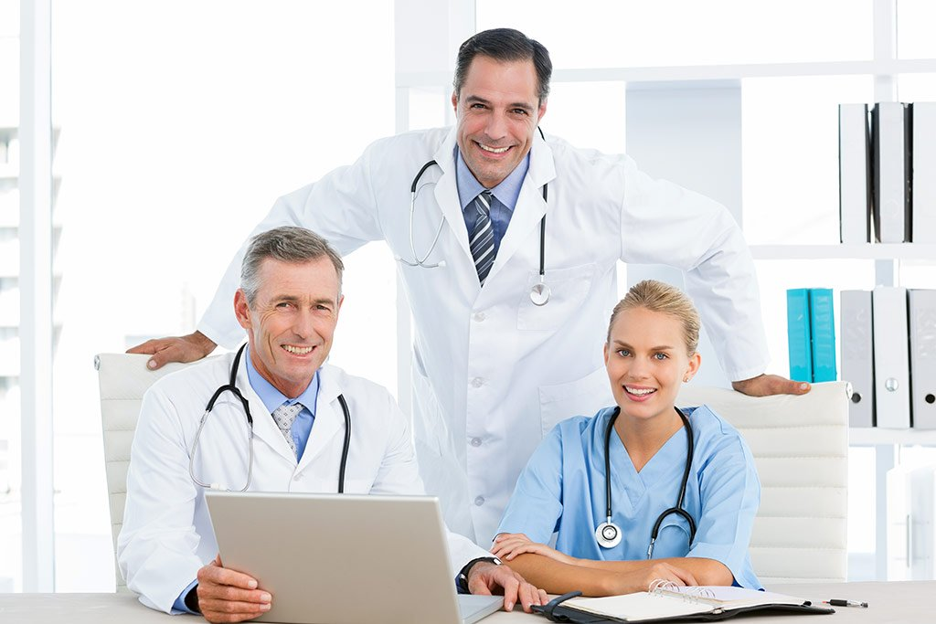 How to make right decision when choosing the clinic and specialist