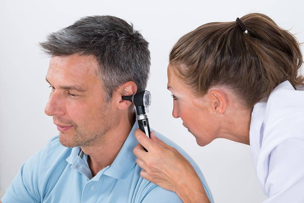 Noise in the ears: causes and effects