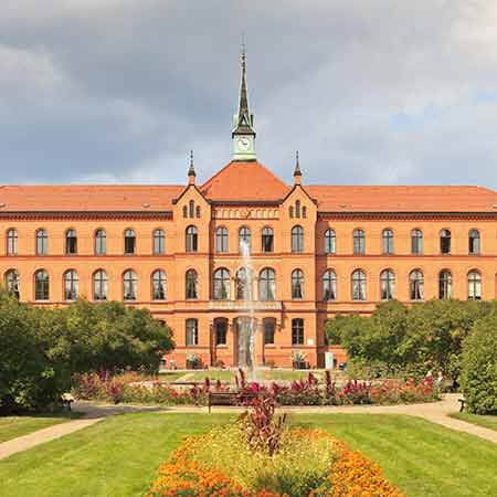 Academic Evangelical Hospital of Queen Elizabeth Herzberg