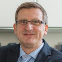 روبرت تسيزنيفار